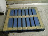 Wooden pallet, 120cm x 100cm - FREE OF CHARGE