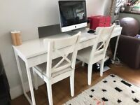 IKEA Desk and 2 chairs in good conditions