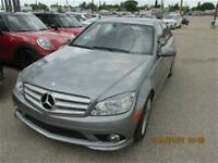 2010 Mercedes-Benz C250 4MATIC Sedan 4MATIC ONE OWNER LOW KMS
