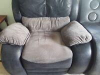 2 plush reclining armchairs with bluetooth sound system