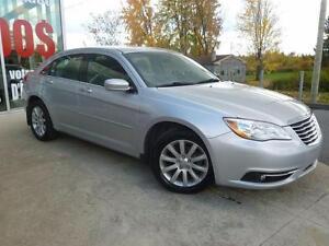 2012 Chrysler 200 LIMITED SEULEMENT 30 000KM, DEMARREUR A DISTAN