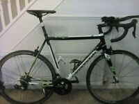 Cannondale CAAD 10 road bike as new with great spec. Aero bars & campagnolo Zonda wheel set!
