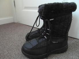Ladies Black Fleecy Lined Boots Size 5 Cushion Walk Flexible Comfort