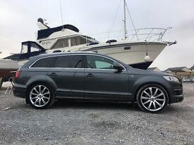 """Audi Q7 3.0 Quattro with 22"""" wheels & adjustable air suspension"""