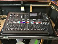 Behringer X32 Digital mixer. Flight case. Mixing console. Live bands. Studio USB 32CH midas