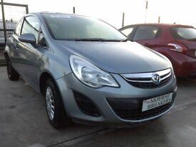**For breaking** Vauxhall Corsa 1.0 petrol (2013).
