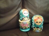 Russian stacking dolls....as new no marks and all dolls are intact