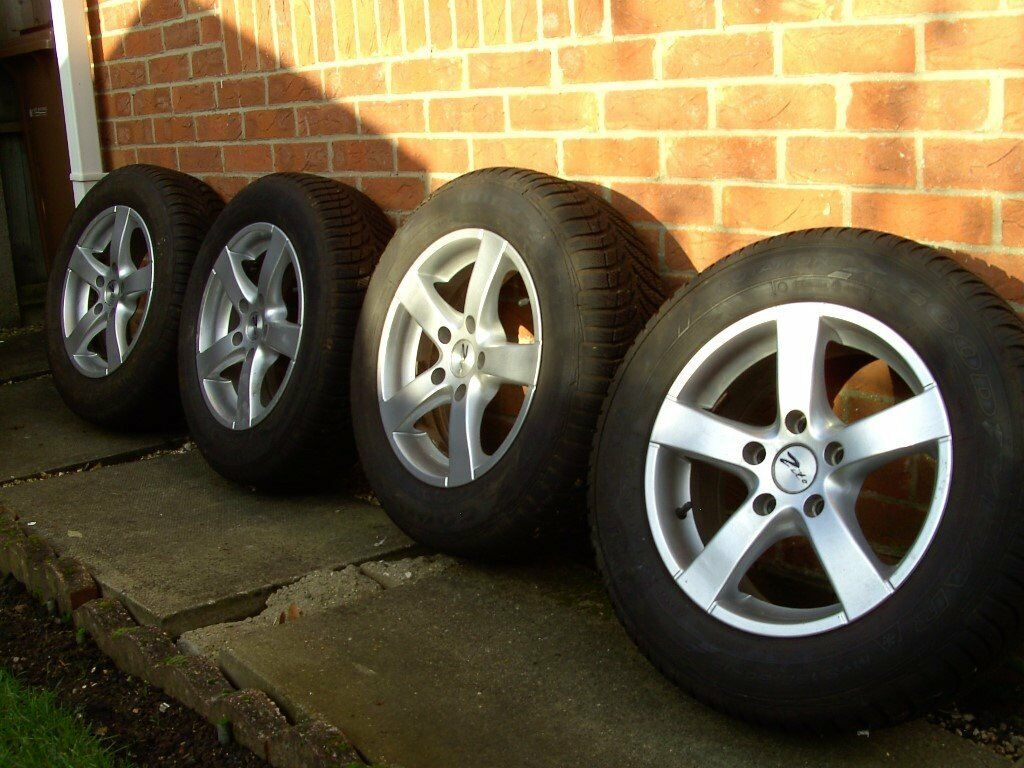 4 X ZITO 15inch ALLOY WHEELS & TYRES