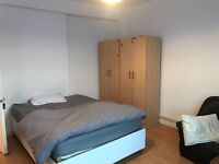 LOVELY DOUBLE ROOM TO OFFER IN CAMDEN TOWN CLOSE TO THE TUBE STATION. 28I