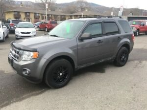 2010 Ford Escape XLT OUTSTANDING CONDITION - BLACK FRIDAY SALE