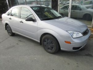 2007 Ford Focus SE WITH AMAZINGLY ONLY 88K