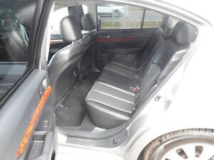 2011 Subaru Legacy 3.6 R Limited Québec City Québec image 15