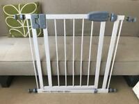 Tippitoes baby gate fits 68.5-74.5cm openings