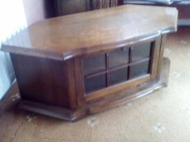 mahogany tv / video stand