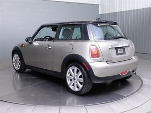 2008 MINI Cooper Classic A/C MAGS TOIT PANORAMIQUE CUIR West Island Greater Montréal image 11