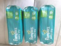 Pampers baby dry nappy size 2