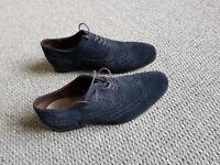 Clark Shoes Size 8 Blue suede