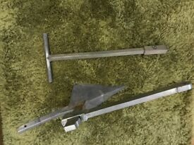 4x4 self recovery land / ground anchor