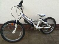 """Boys / Girls TREK Mountain bike 6 speed White / Blue 20"""" wheel Age 5 to 8"""
