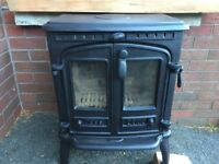 Stove for sale 8kw BELFAST NEWCASTLE can meet / deliver generates great heat livingroom kitchen