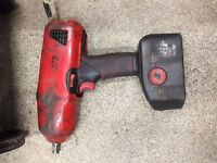 Snap On 1/2 Inch Cordless Impact Gun + FREE SNAPON TORCH