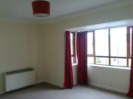 2 bed second floor unfurnished flat, central for Hamilton