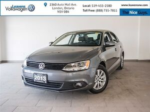 2013 Volkswagen Jetta Comfortline 2.0 w/Bluetooth and Sunroof