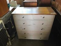 Very nice good quality chest of drawers can deliver