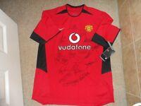 Manchester United signed Shirt 2003 Squad.
