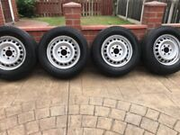 These are closest to brand new, very good tyres and clean rims.