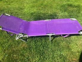 Purple sunloumger