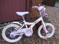 Girls Princess bike approx age 5-7 with stabilisers