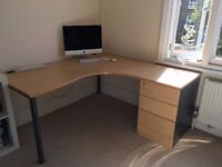 Large, good quality, practical desk, with separate cabinet/chest of drawers