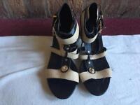 Ladies CINK-ME Sandals Low Heels Size UK 7/ 40 Brand new Black &beige £8
