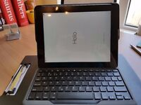 ***REDUCED***IMMACULATE FULLY WORKING IPAD4 64GB WIFI. COMPLETE WITH CASE & BLUETOOTH KEYBOARD
