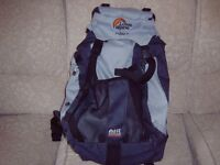 LOWE ALPINE WALKABOUT 25 RUCKSACK, AIR COOLED BACK SYSTEM. LITTLE USED AS NEW,
