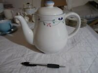 very large - 10 cup white teapot