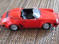 Red Porsche 911 1.24 scale