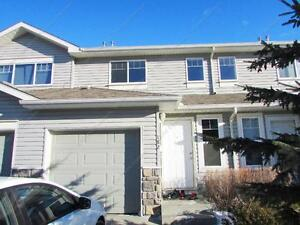 GORGEOUS 3 BEDROOM + 1.5 BATH TOWNHOUSE IN ELLERSLIE