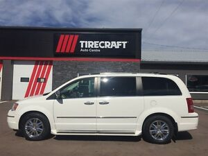 2010 Chrysler Town & Country leather interior and heated seats