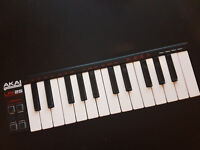 AKAI LPK 25 Micro MIDI controller
