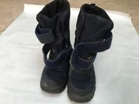 Jelatex children's snow boots - size 31/ UK size 13 . Fleece lined and very warm