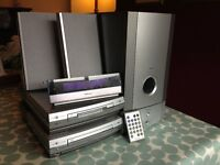 Pioneer FM Tuner, CD & MiniDisk player - 2 speakers & subwoofer - digital display - £50