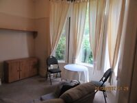 Quality large fully self contained furnished studio flat - Princes Park area