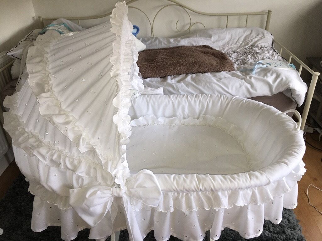 Leipold crib for sale - White Wicker Leipold Crib Image 1 Of 8