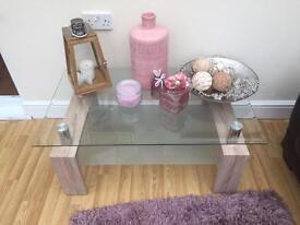Coffee table and side table light oak effect