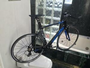 BRAND NEW (SIZE 58cm) CERVELO S2 CARBON ROAD BIKE - SHIMANO 105