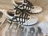 Nike Fingertrap Max New