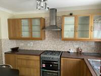 An immaculate 5 Bedrooms House is available to rent in UB5 Yeading Lane Northolt