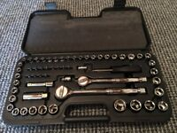 60 Piece Socket Set, with Case Metric